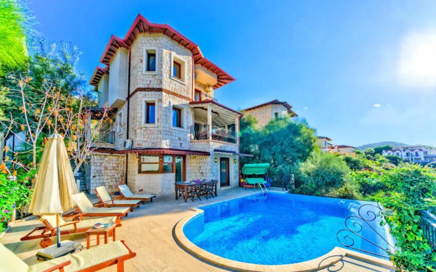 Antalya Kaş'ta Kiralık Villa ID:104 (1)